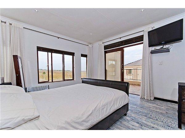 Midrand property for sale. Ref No: 13532319. Picture no 9
