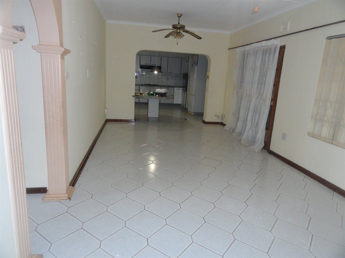 Inyala Park property for sale. Ref No: 13490181. Picture no 8