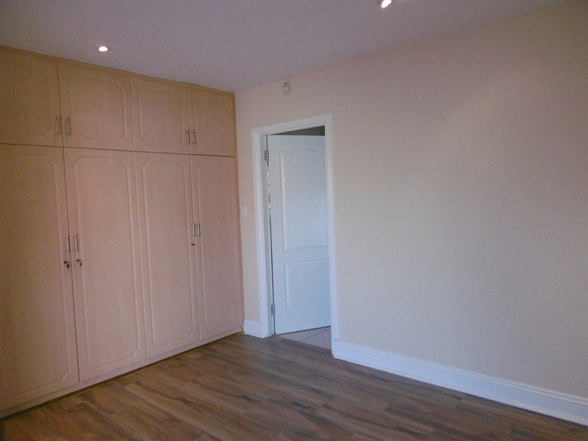 Bryanston property for sale. Ref No: 13531296. Picture no 12