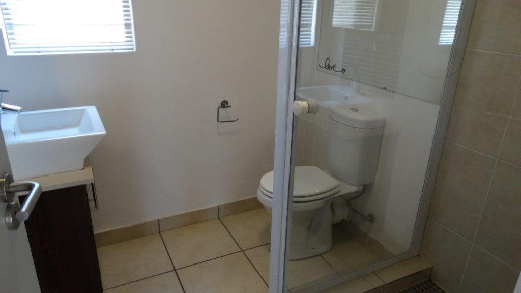Fourways property to rent. Ref No: 13533114. Picture no 9