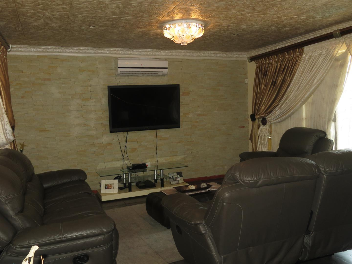 Birdswood property to rent. Ref No: 13464252. Picture no 5