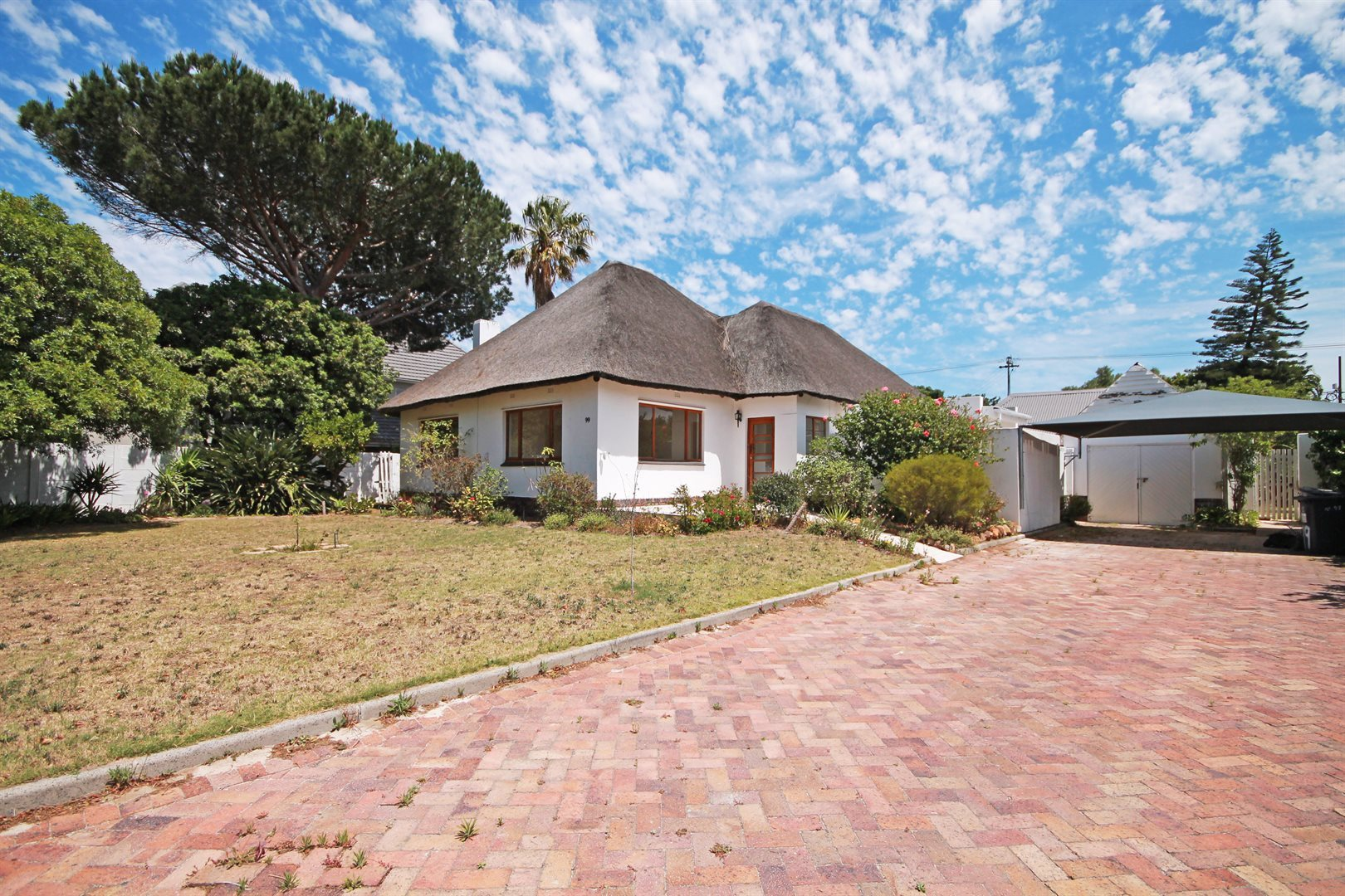 Property and Houses for sale in Pinelands, House, 6 Bedrooms - ZAR 4,550,000