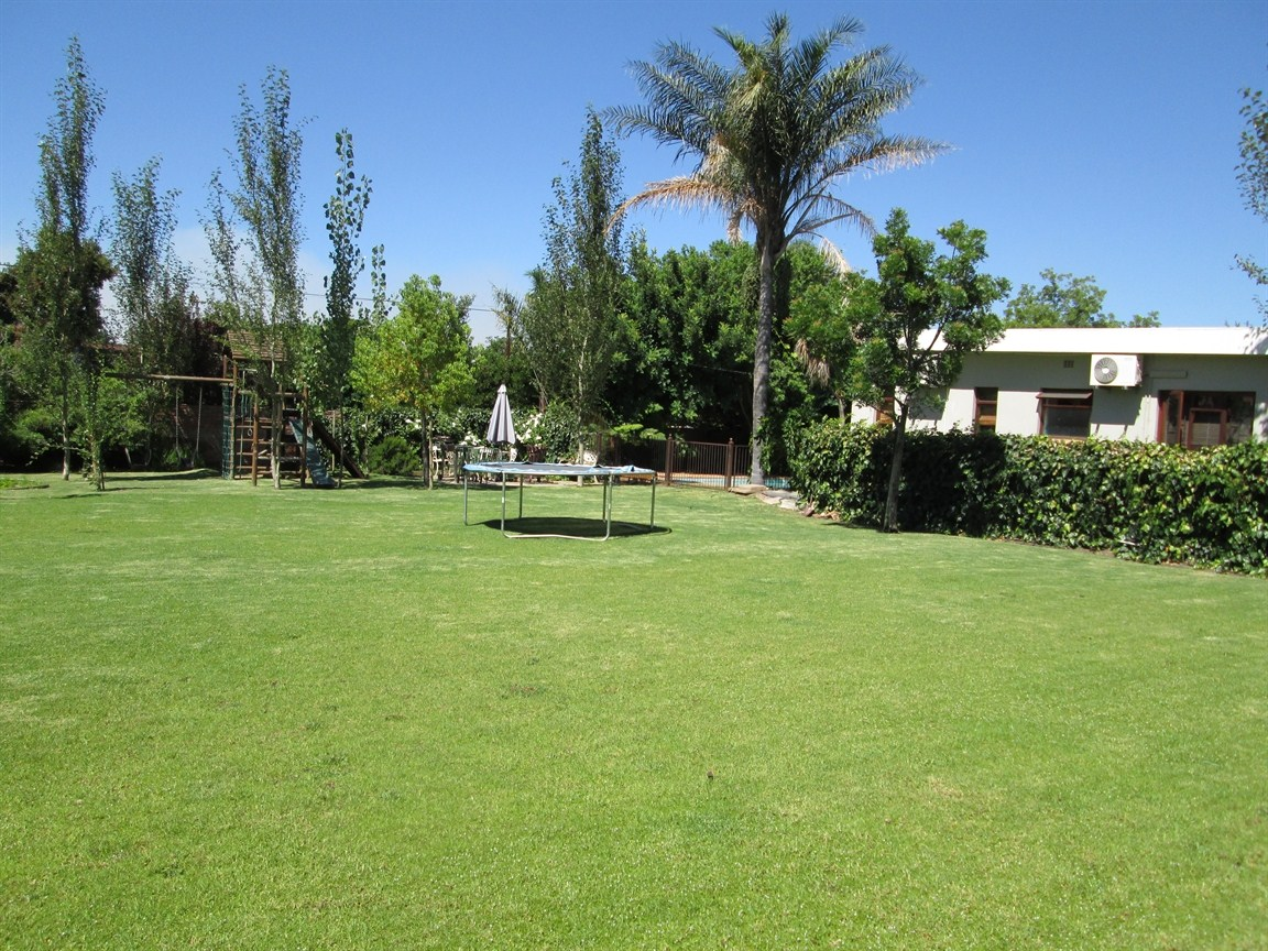 Prince Alfred Hamlet property for sale. Ref No: 12731304. Picture no 2