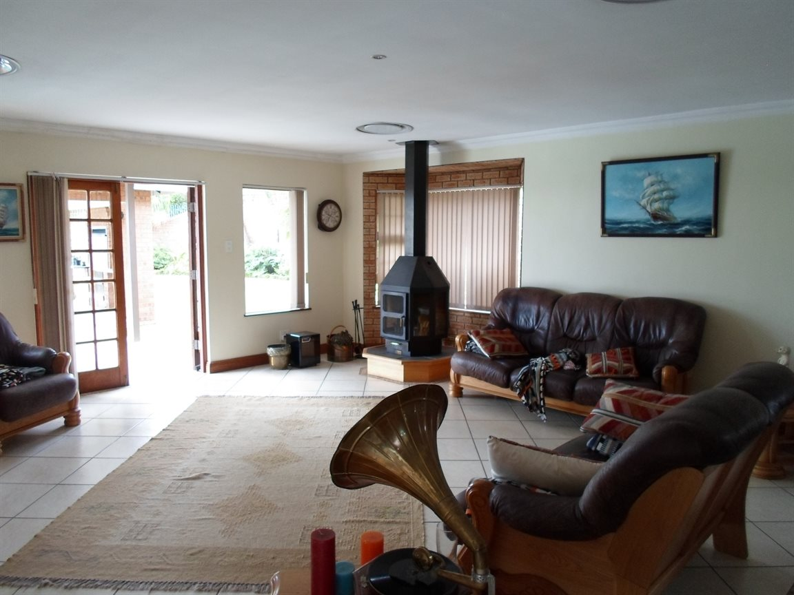 Cornwall Hill property to rent. Ref No: 13282082. Picture no 10