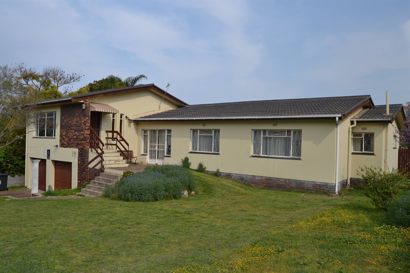 Paarl Central East property for sale. Ref No: 13530396. Picture no 1