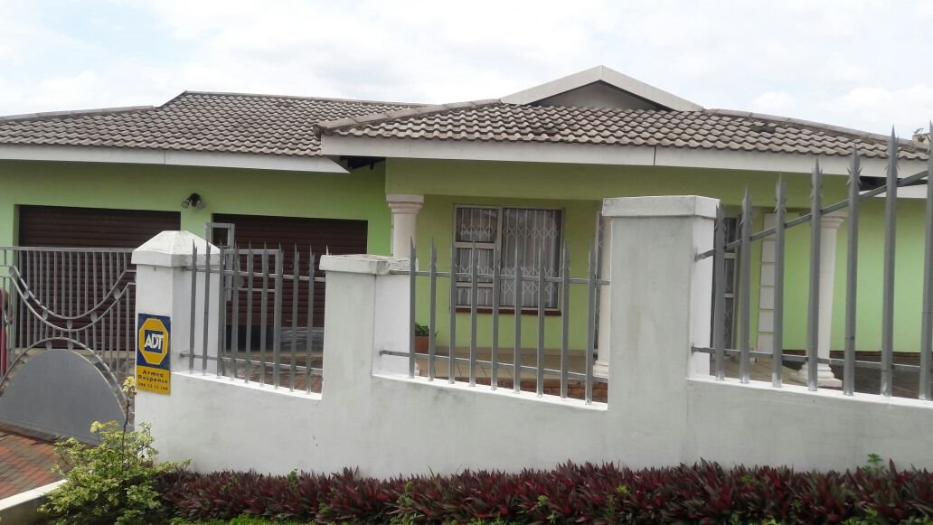 Hillview property for sale. Ref No: 13411939. Picture no 17