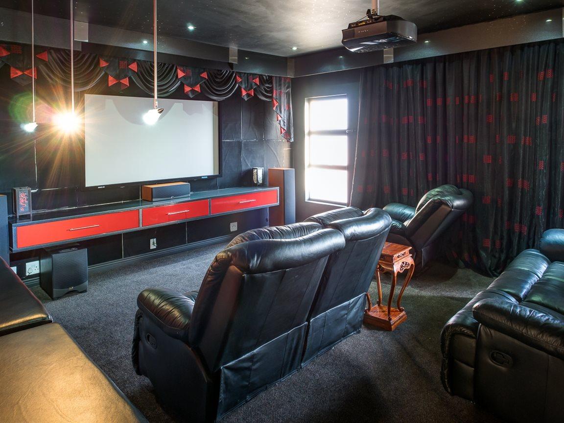 Zwartkop Golf Estate property to rent. Ref No: 13400079. Picture no 7