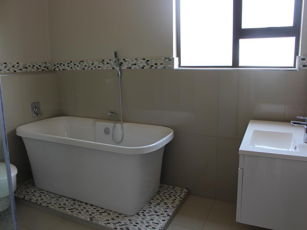 Celtisdal property for sale. Ref No: 13230610. Picture no 16