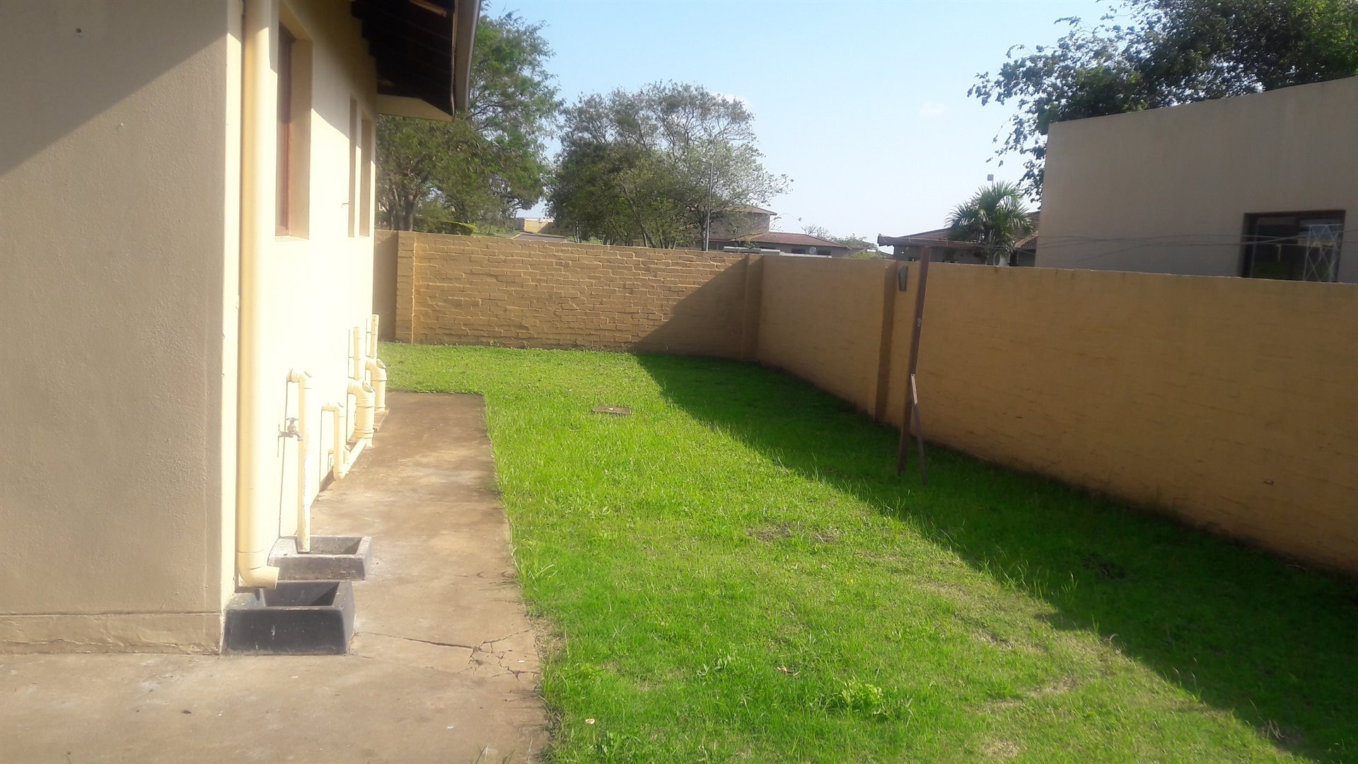 Inyala Park property for sale. Ref No: 13538730. Picture no 8