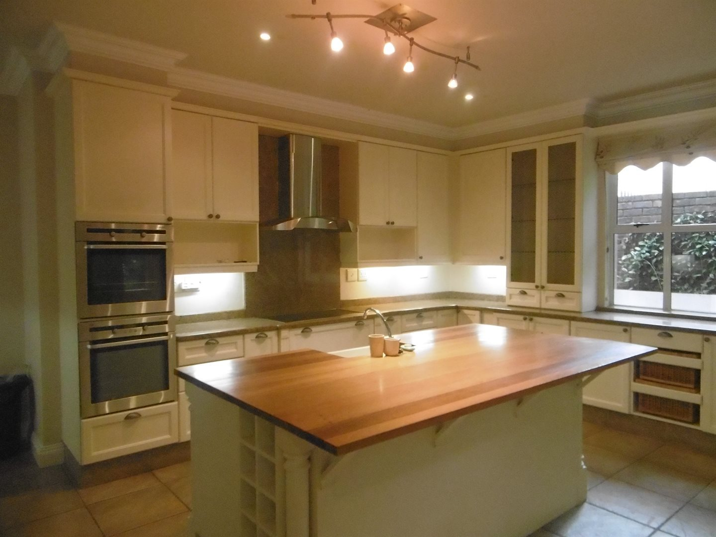 River Club property to rent. Ref No: 13552407. Picture no 15