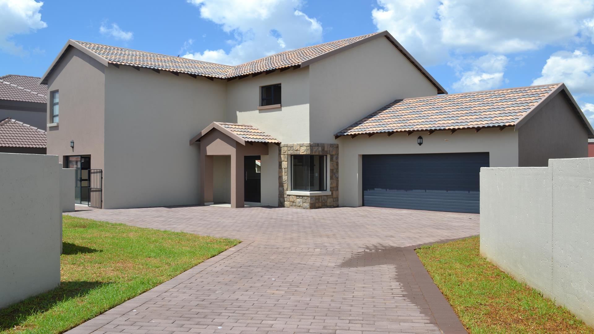 Property and Houses for sale in Silver Stone Country Estate, House, 3 Bedrooms - ZAR 2,195,000