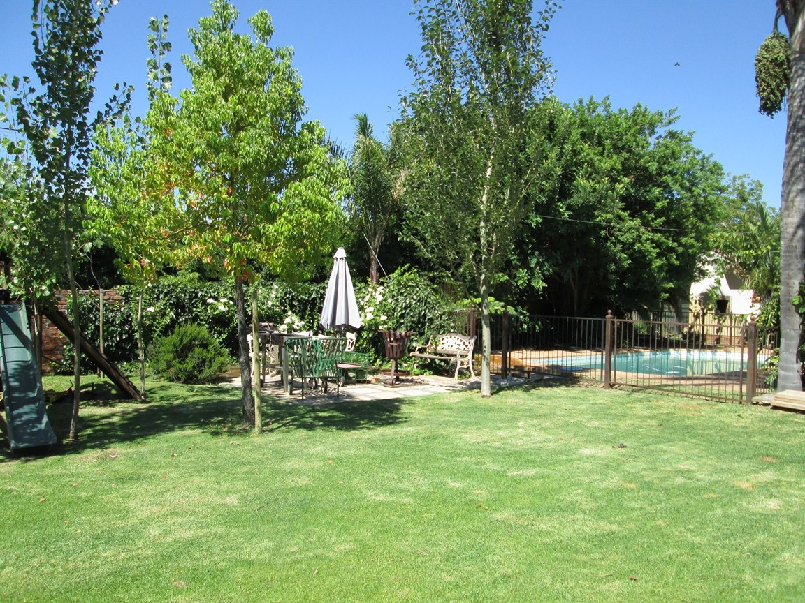 Prince Alfred Hamlet property for sale. Ref No: 12731304. Picture no 1