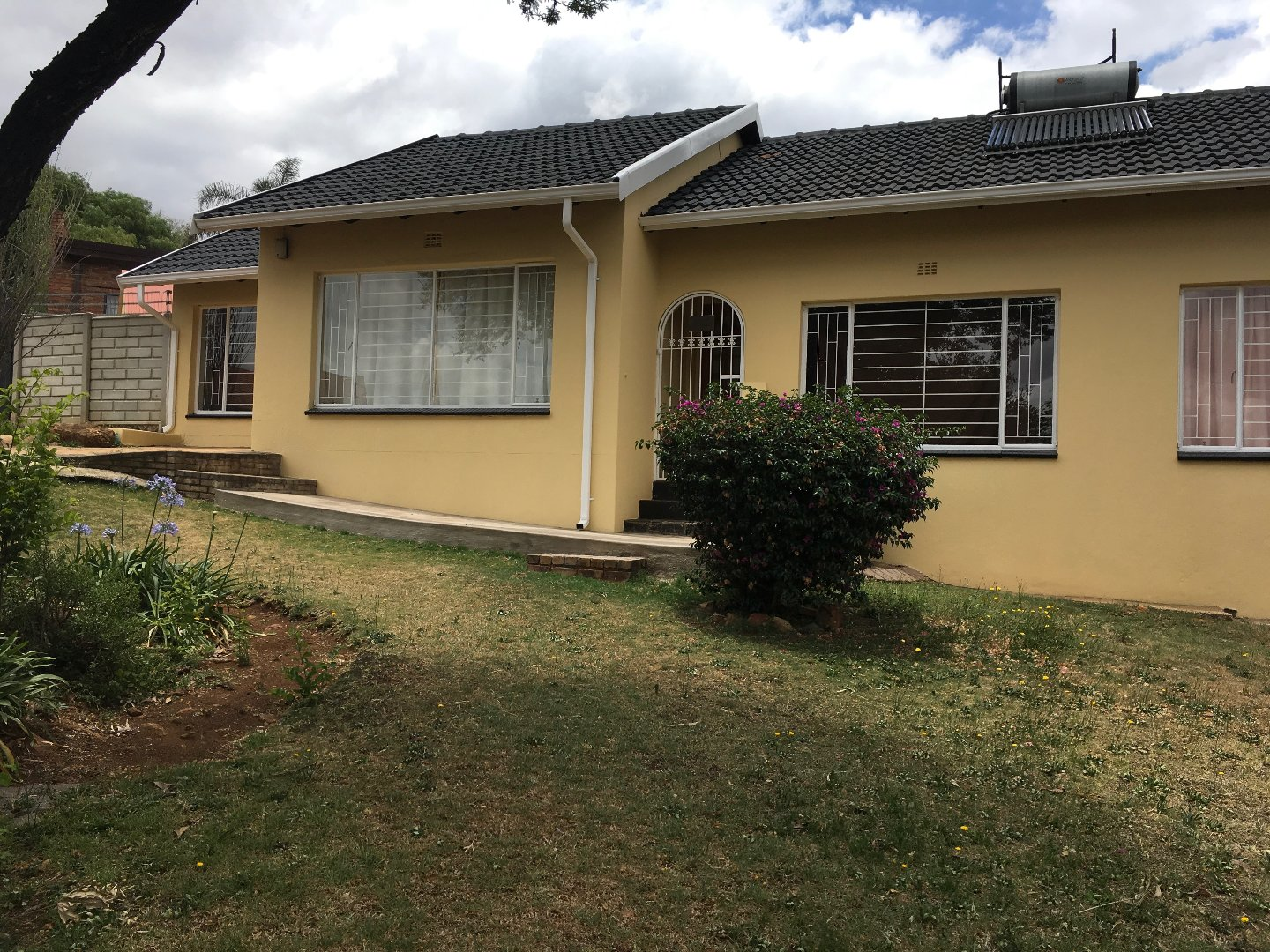 Johannesburg, Glenvista Property  | Houses To Rent Glenvista, Glenvista, Commercial 4 bedrooms property to rent Price:, 19,00*