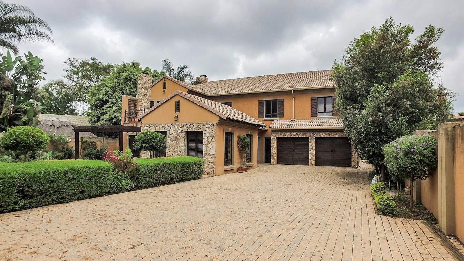 Centurion, Die Hoewes Property    Houses For Sale Die Hoewes, Die Hoewes, House 5 bedrooms property for sale Price:3,930,000