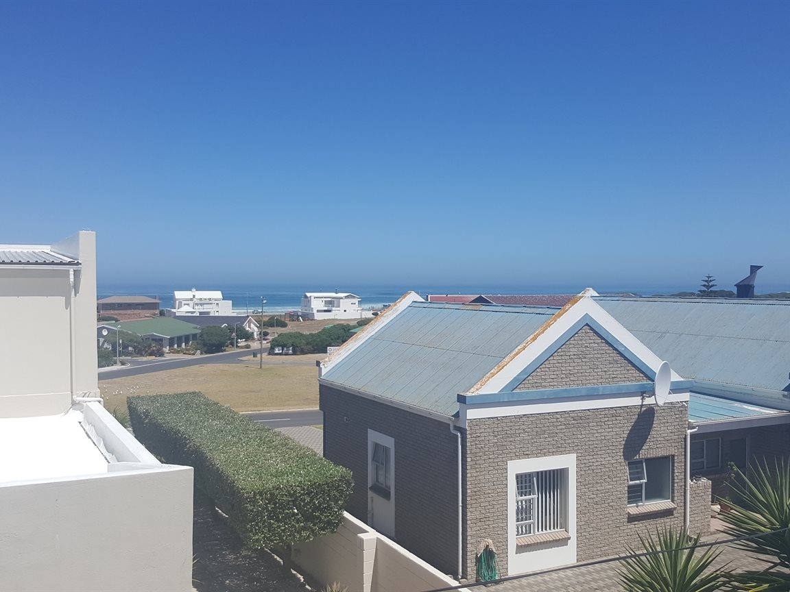 Yzerfontein property for sale. Ref No: 13425267. Picture no 14