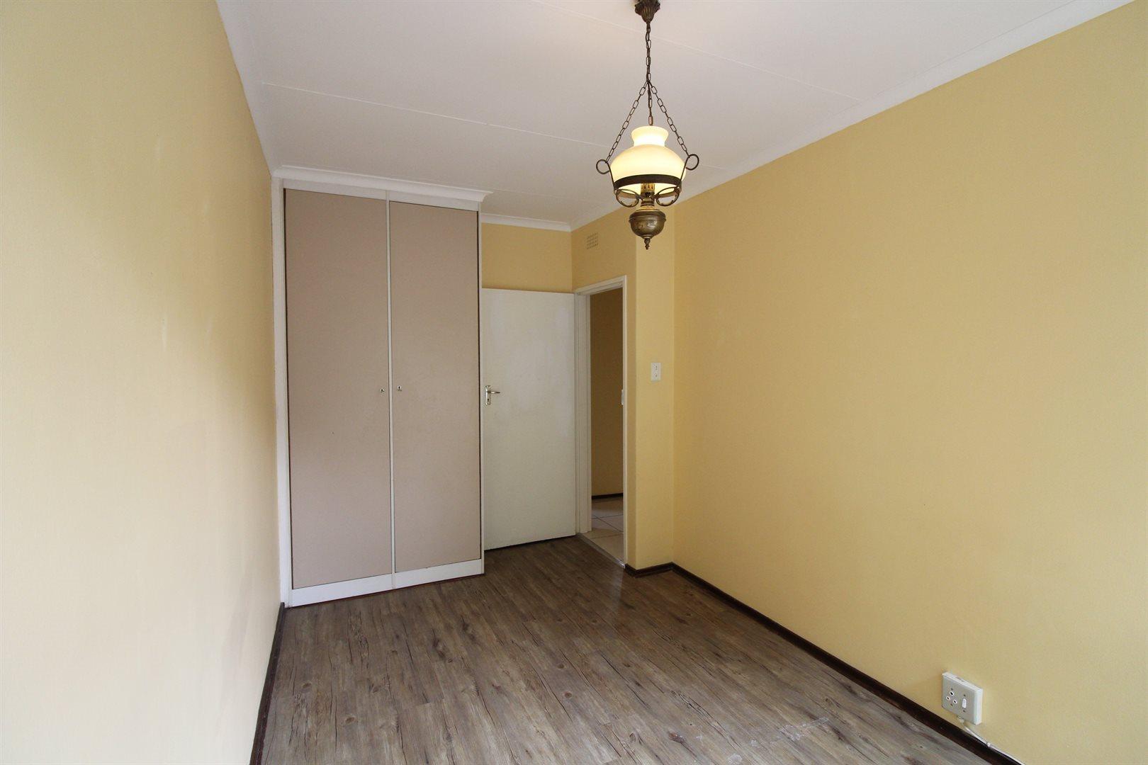 Bryanston property for sale. Ref No: 13552406. Picture no 18