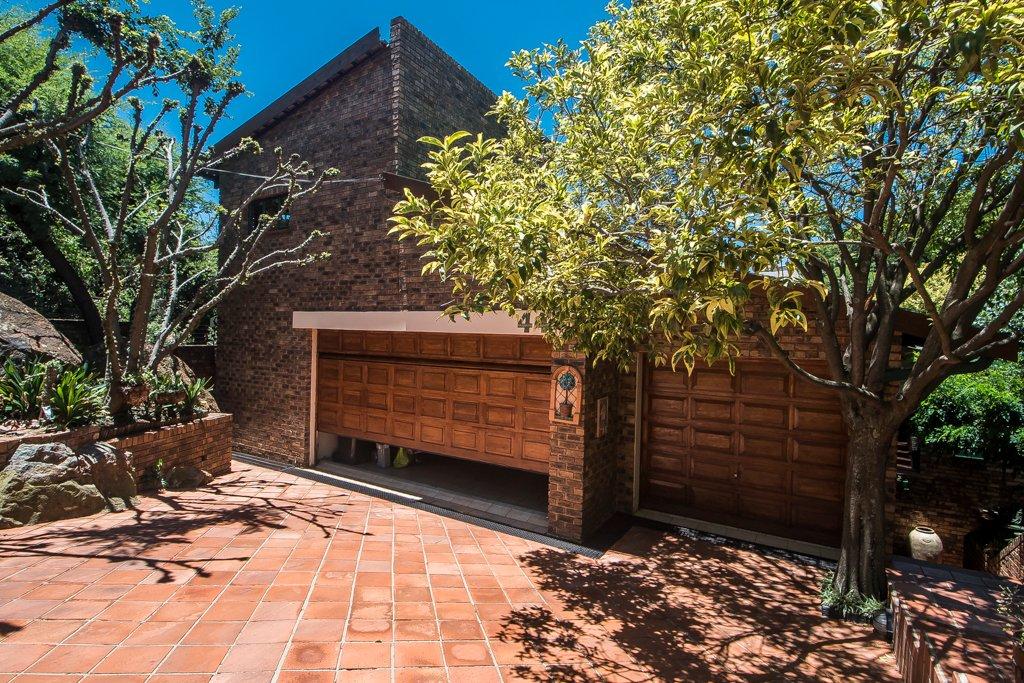 Glenvista property for sale. Ref No: 13529565. Picture no 2