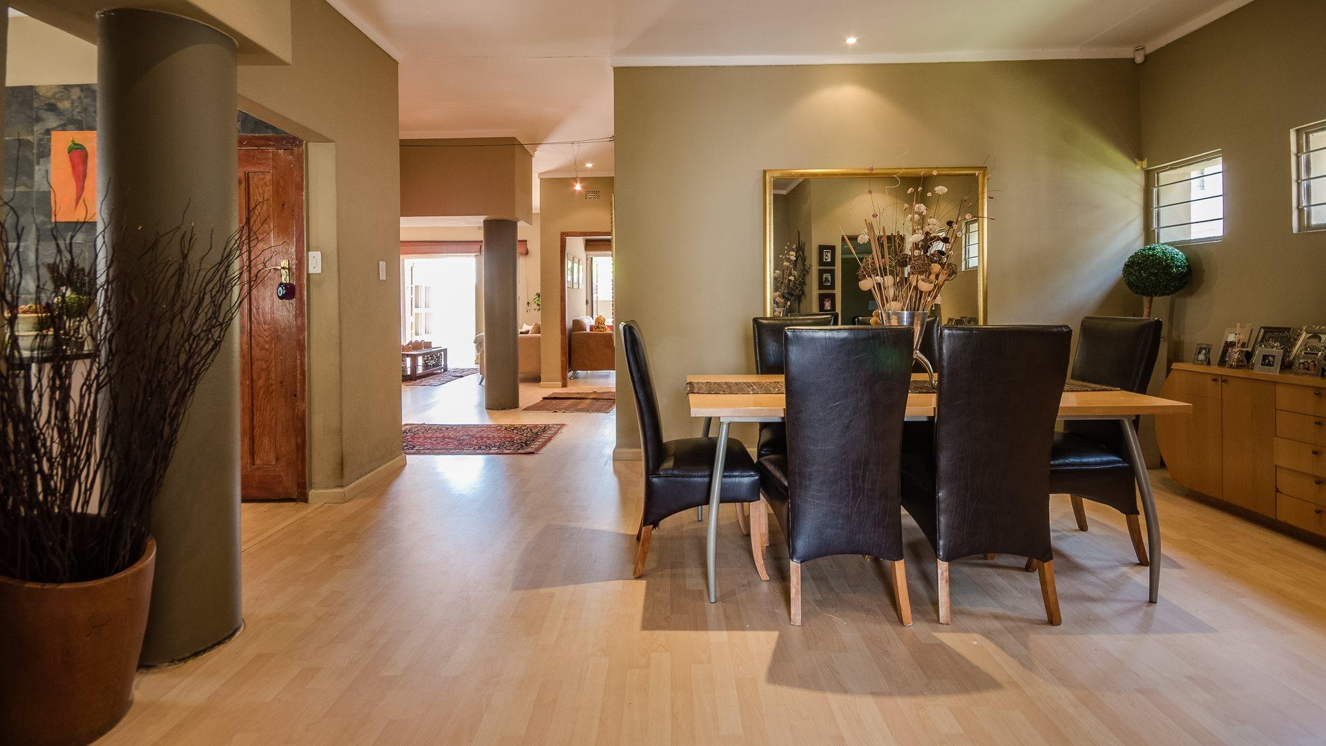 Orange Grove property for sale. Ref No: 13545446. Picture no 7