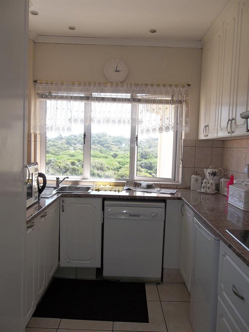 Amanzimtoti property for sale. Ref No: 13400263. Picture no 26