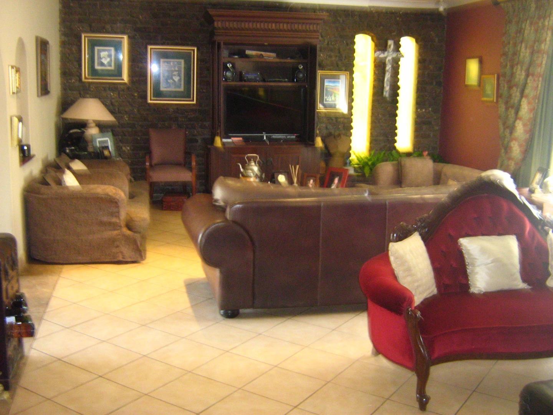 Mondeor property for sale. Ref No: 13525767. Picture no 5