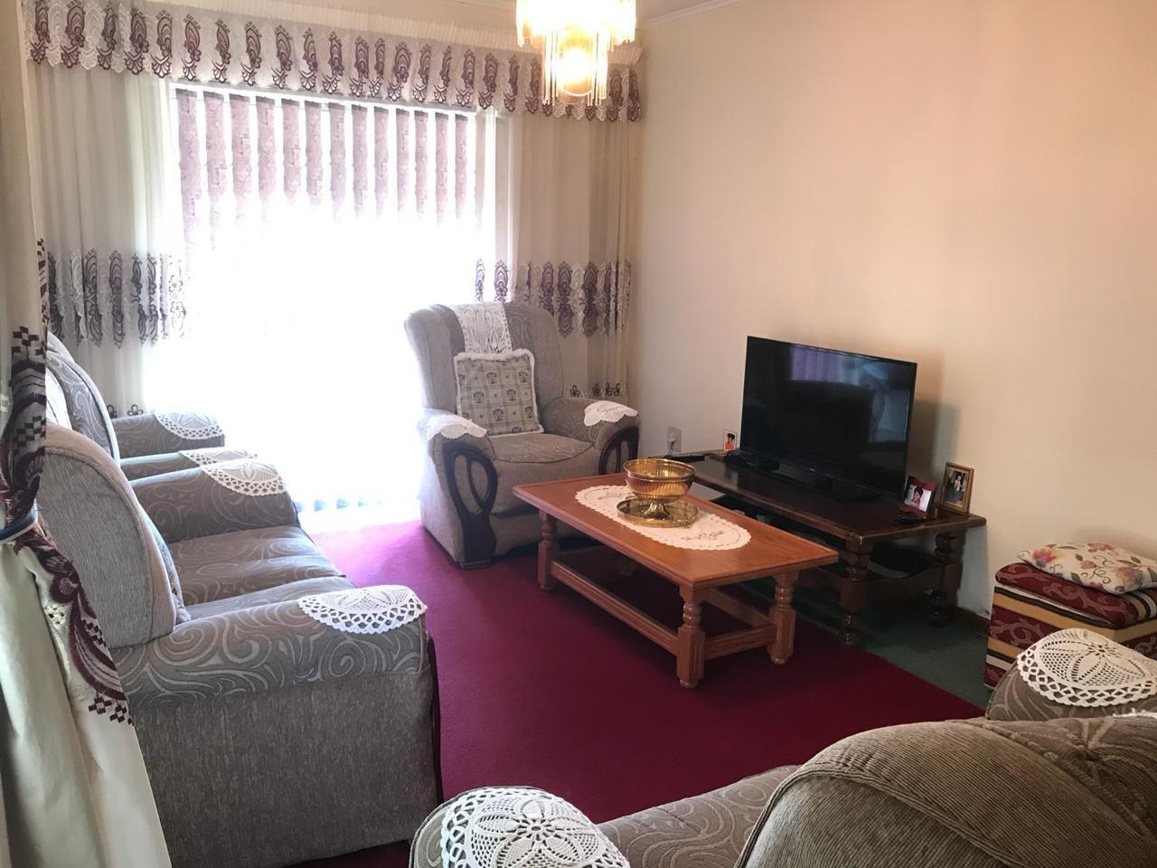 Brackenham property for sale. Ref No: 13586697. Picture no 2