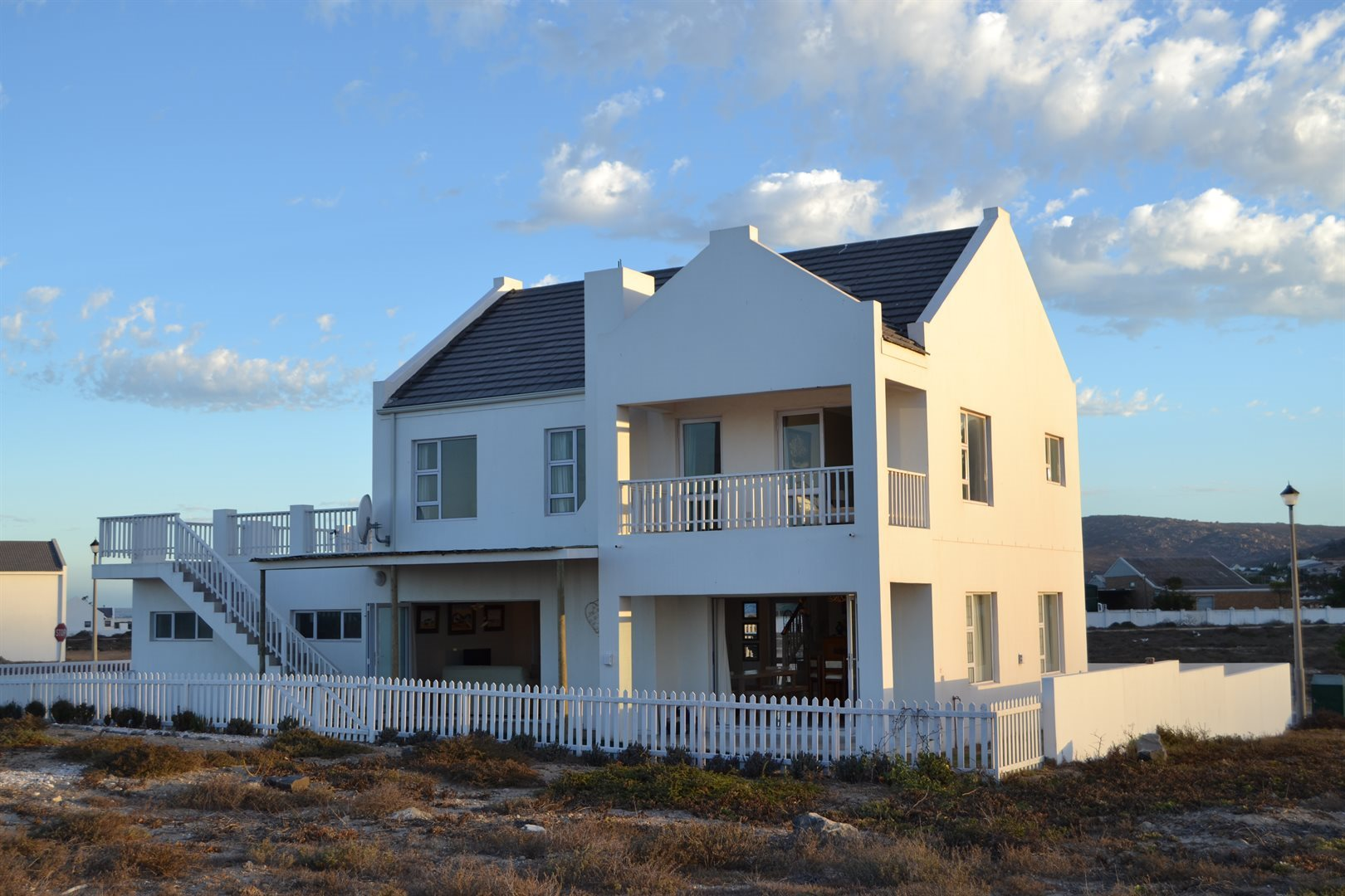 Property and Houses for sale in Sandy Point Beach Estate, House, 3 Bedrooms - ZAR 2,150,000