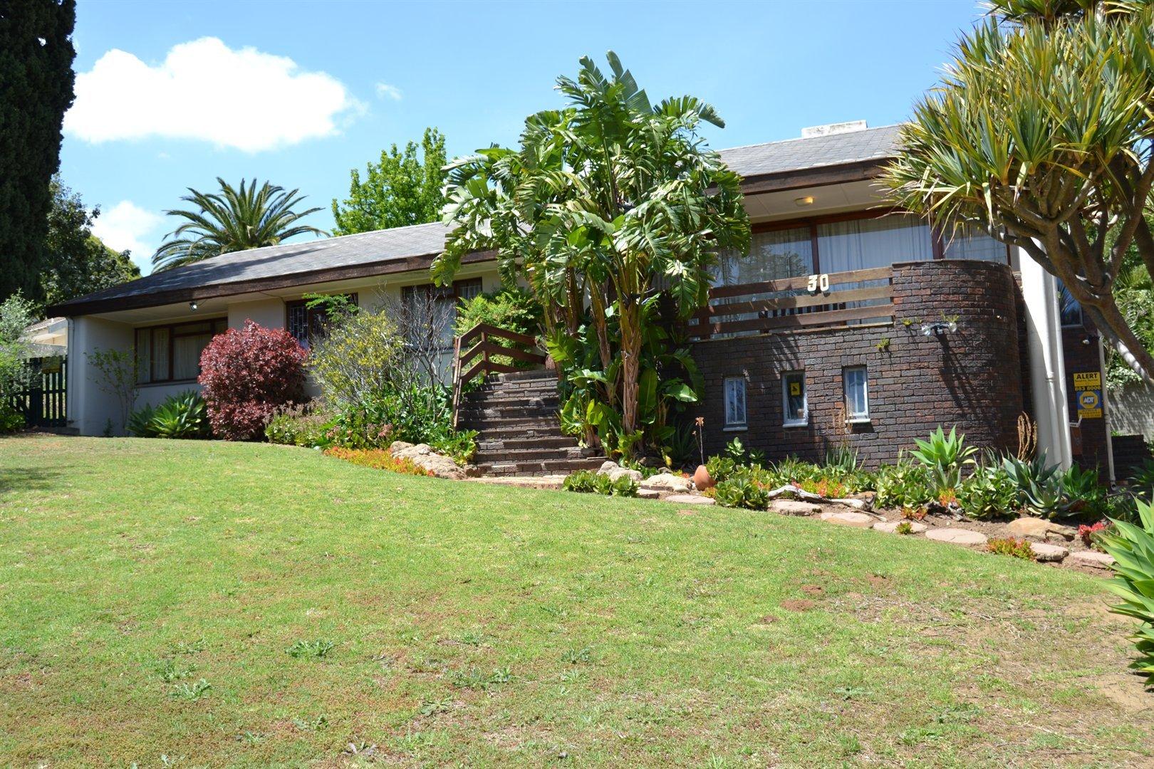 Stellenbosch, Onder Papegaaiberg Property  | Houses For Sale Onder Papegaaiberg, Onder Papegaaiberg, House 4 bedrooms property for sale Price:3,200,000