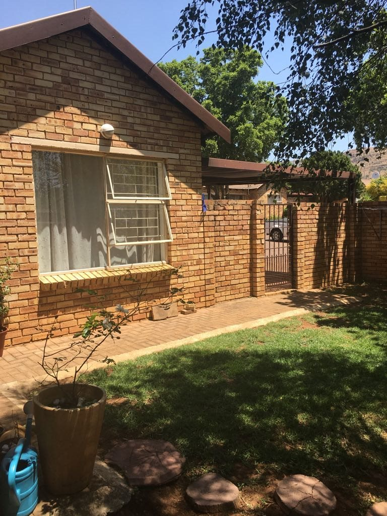 Wilgeheuwel property for sale. Ref No: 13553042. Picture no 16