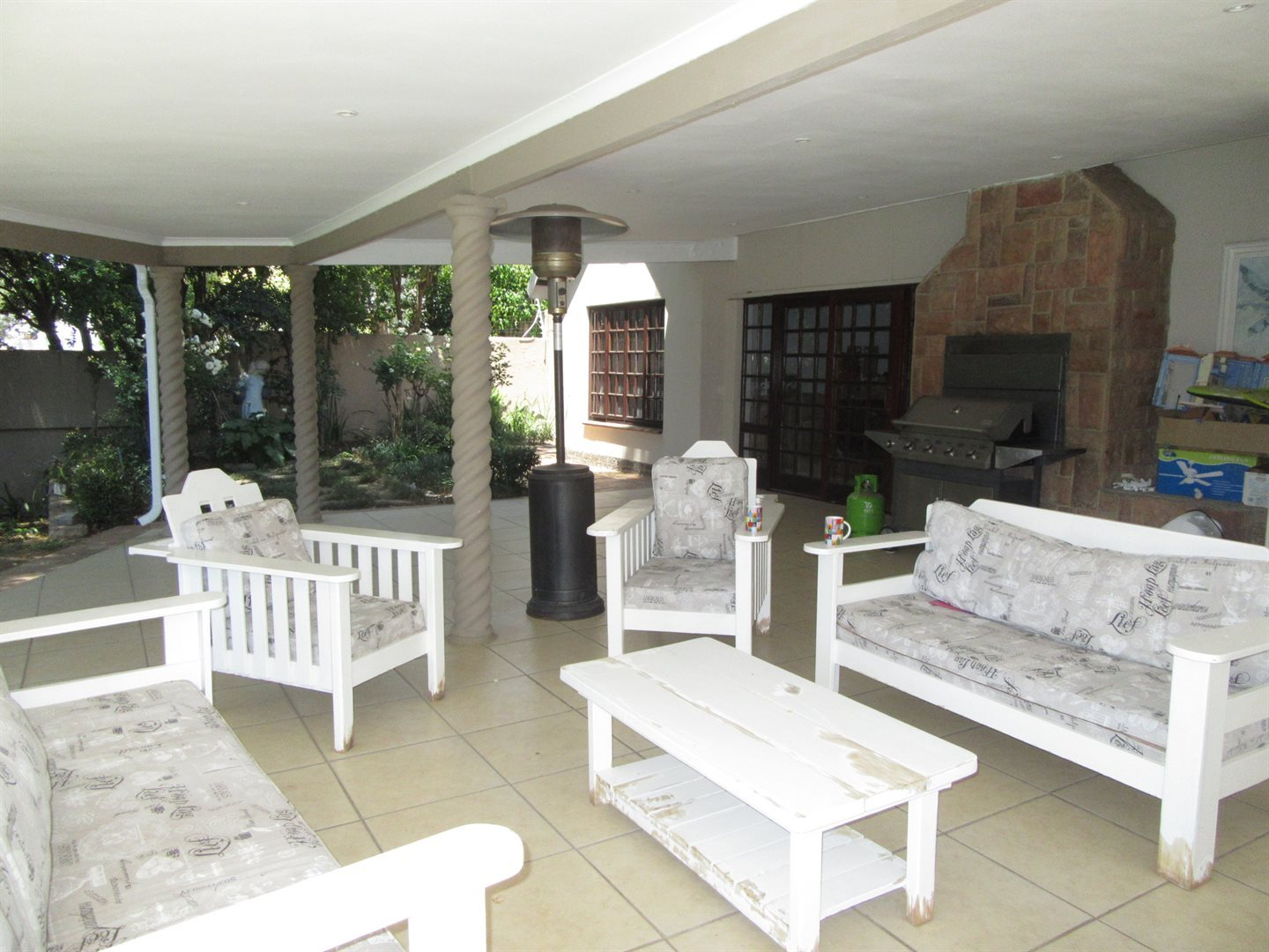 Bryanston property to rent. Ref No: 13553051. Picture no 31