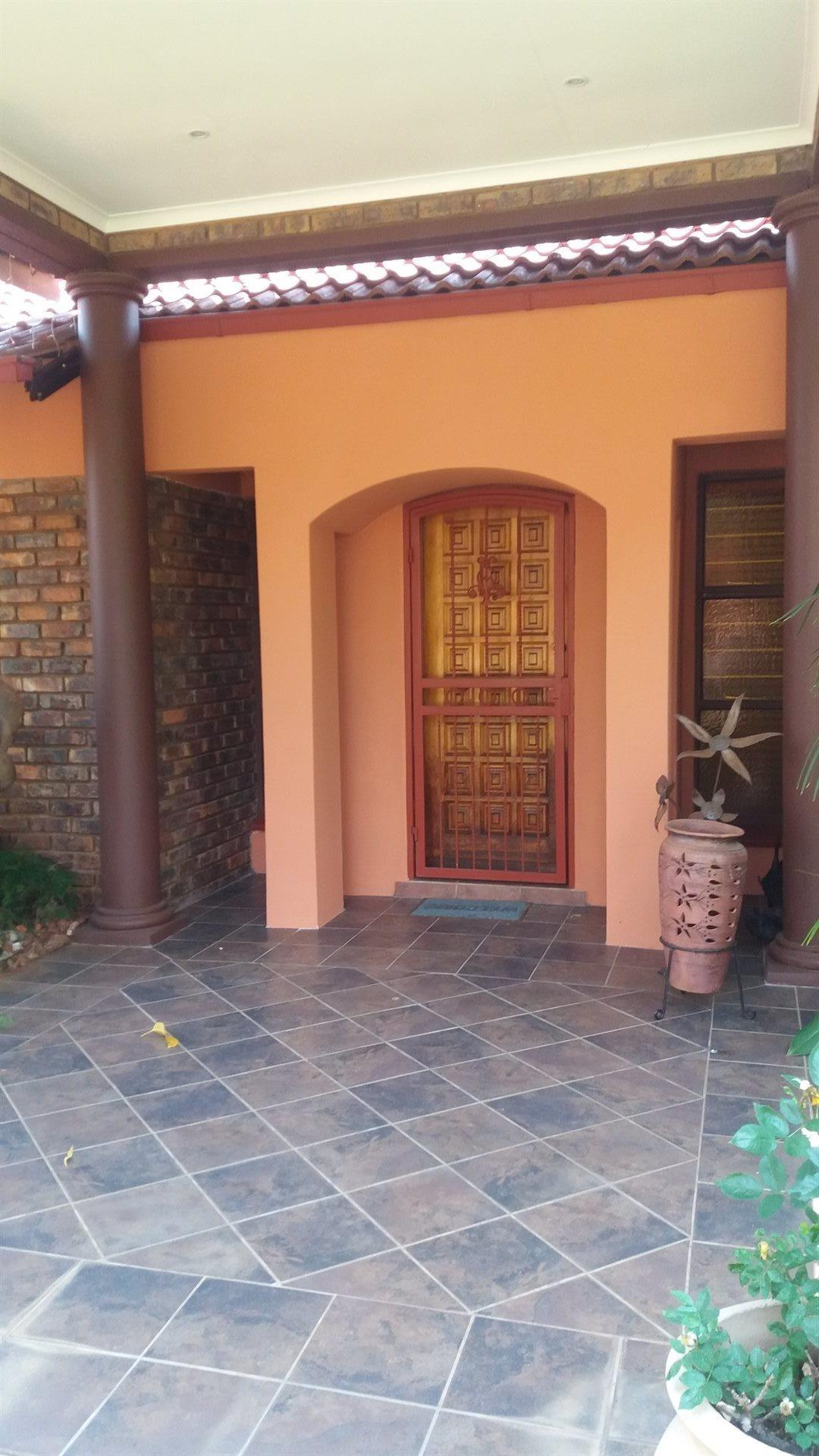 Theresapark property for sale. Ref No: 13566719. Picture no 3
