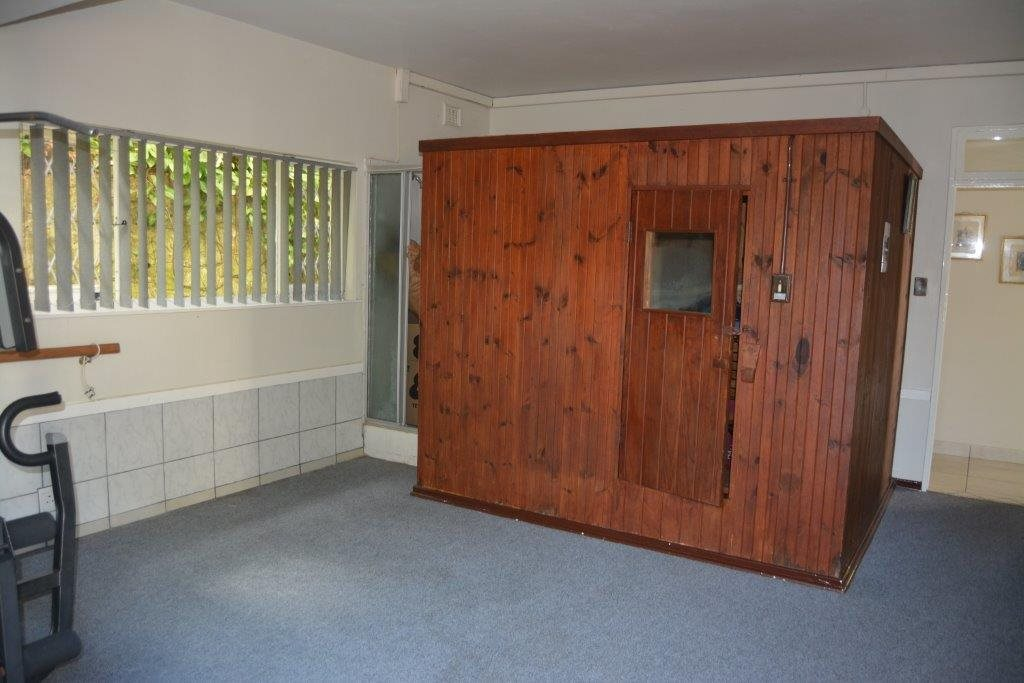 Uvongo property for sale. Ref No: 13323562. Picture no 24
