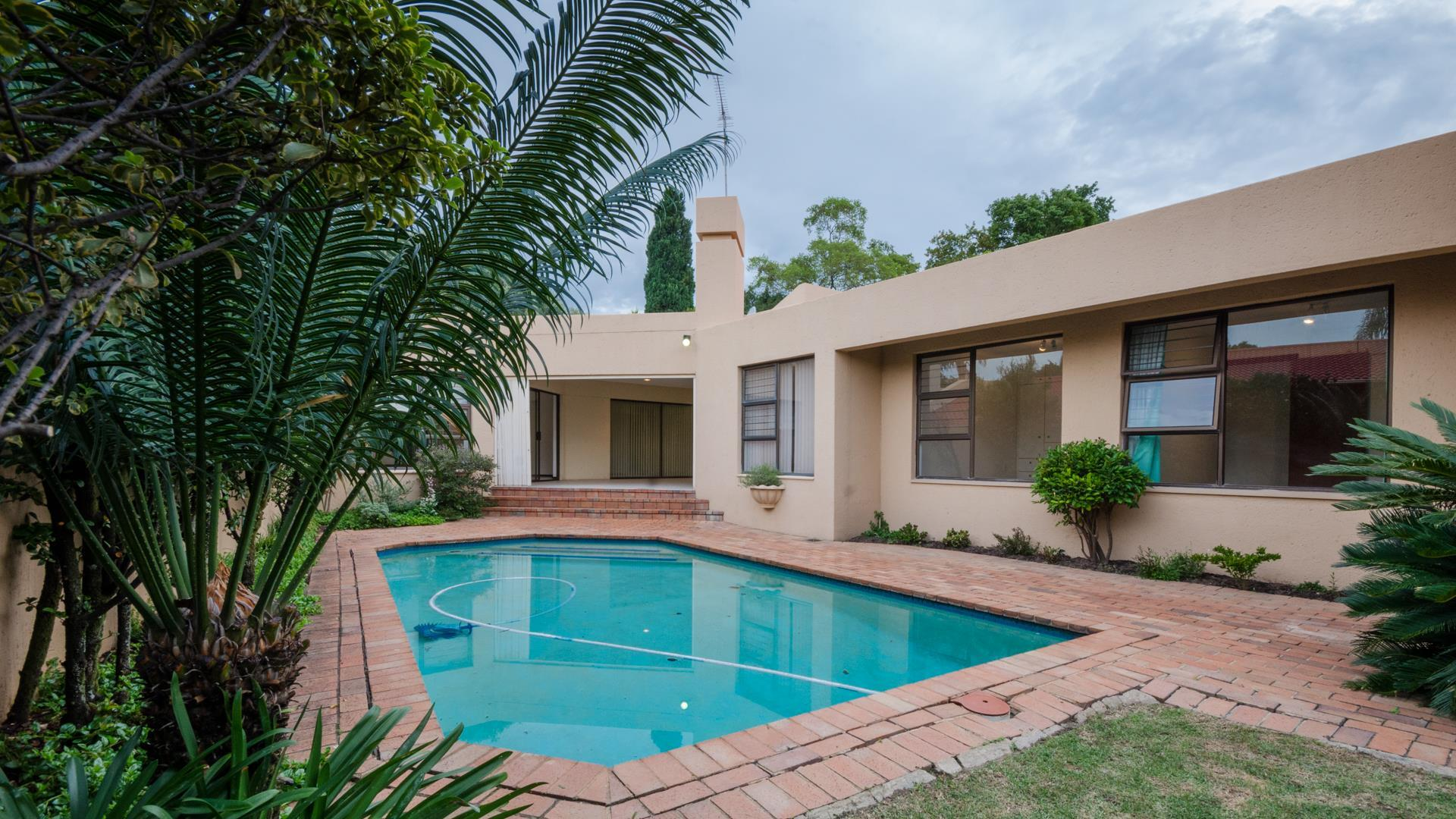 Lonehill property for sale. Ref No: 13445204. Picture no 25