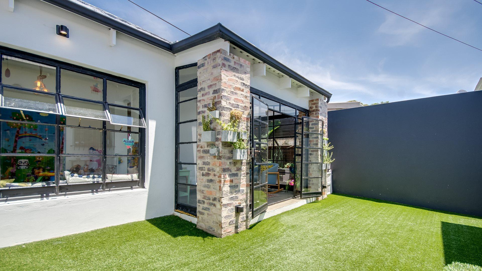 Orange Grove property for sale. Ref No: 13551072. Picture no 1