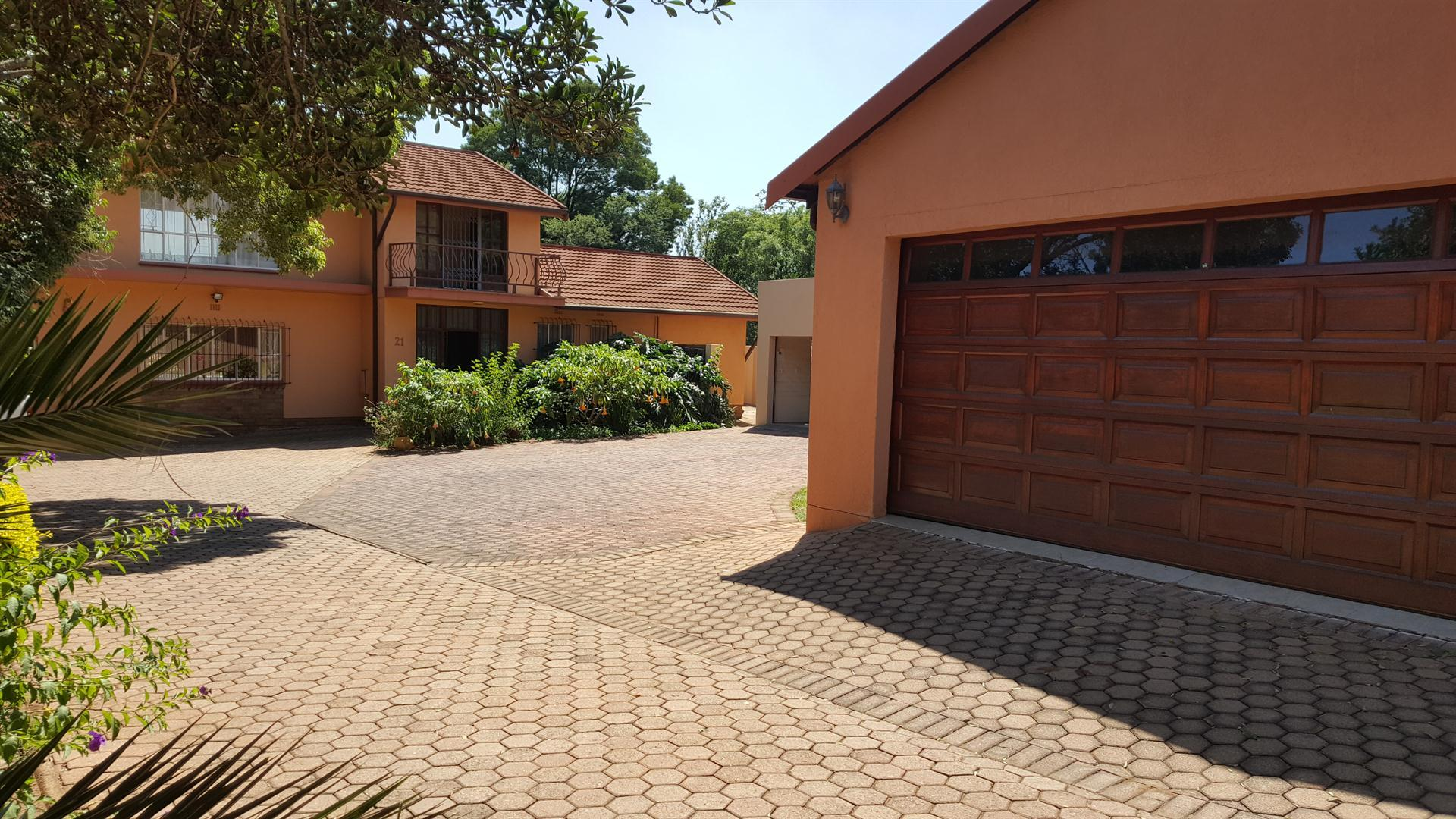 Roodepoort, Ontdekkerspark Property  | Houses For Sale Ontdekkerspark, Ontdekkerspark, House 5 bedrooms property for sale Price:2,350,000