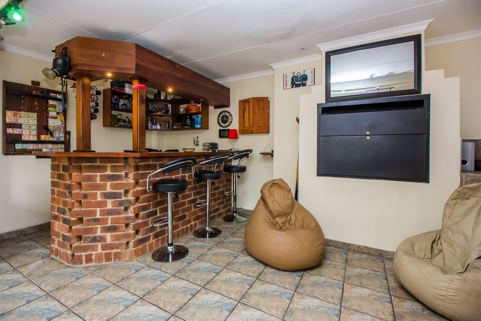 Waterkloof Heights property for sale. Ref No: 13538019. Picture no 21
