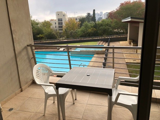 Property and Houses to rent in Sandhurst, Apartment, 2 Bedrooms - ZAR , 15,00*,M
