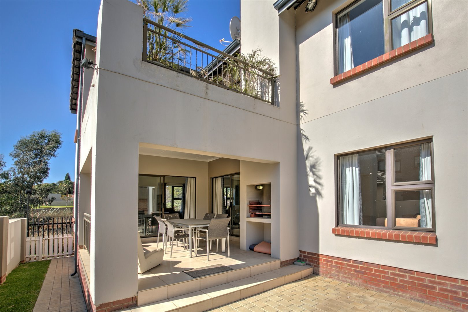 Fourways property for sale. Ref No: 13511211. Picture no 17