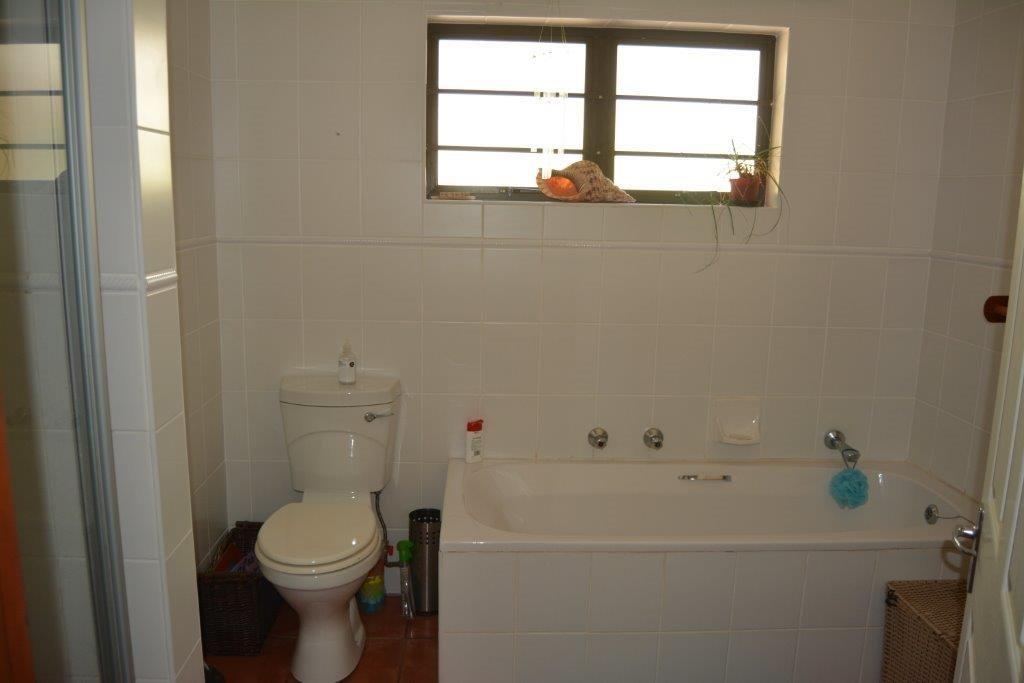 Umtentweni property for sale. Ref No: 13278177. Picture no 10
