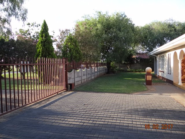 Helikonpark property for sale. Ref No: 13559429. Picture no 9