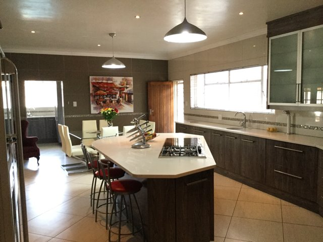 Three Rivers East property for sale. Ref No: 13401710. Picture no 2