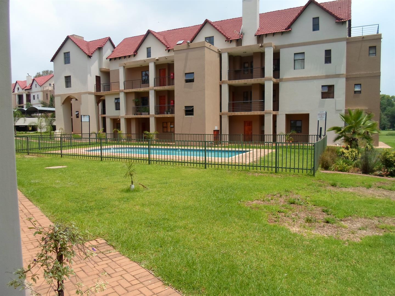 Centurion, Zwartkop Golf Estate Property  | Houses To Rent Zwartkop Golf Estate, Zwartkop Golf Estate, Apartment 1 bedrooms property to rent Price:,  7,00*