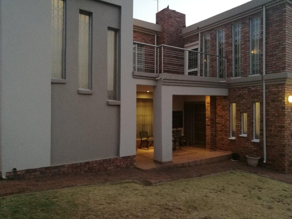 Johannesburg, Naturena Property    Houses For Sale Naturena, Naturena, House 4 bedrooms property for sale Price:1,450,000