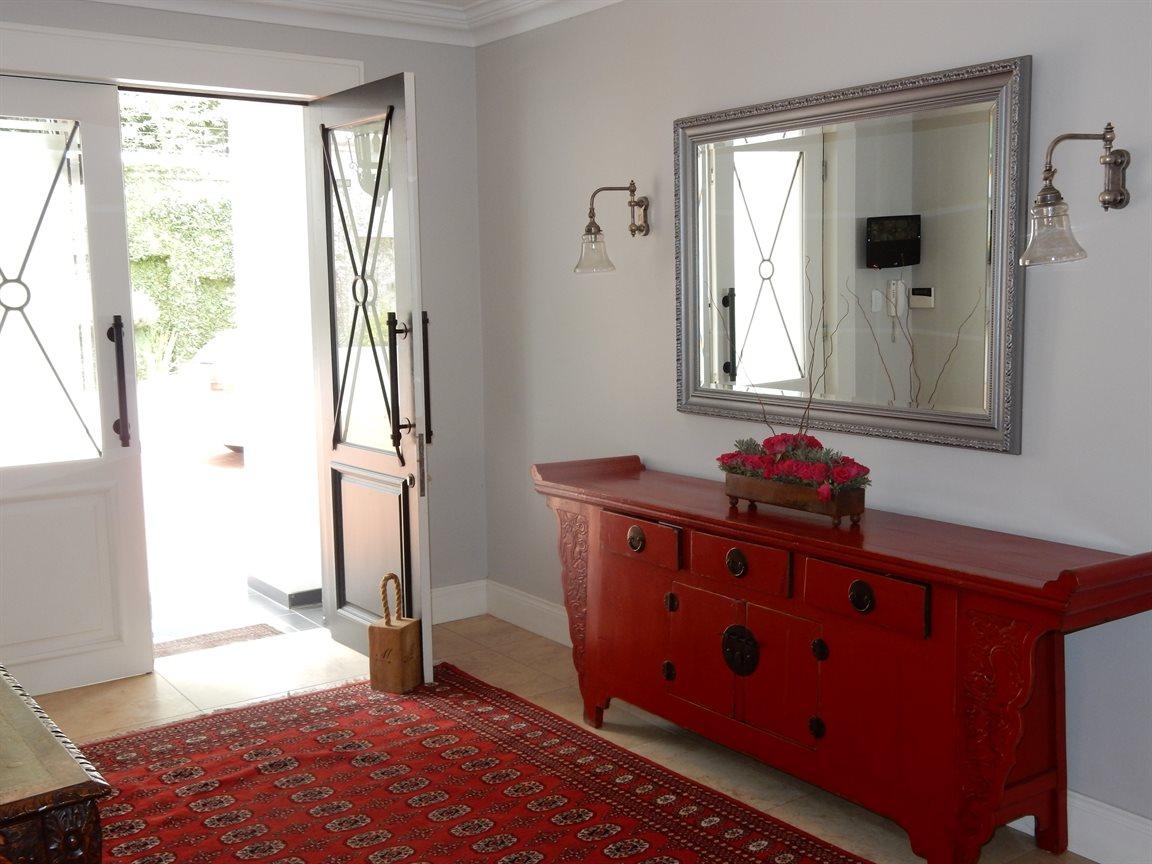 Bryanston property for sale. Ref No: 13290662. Picture no 7