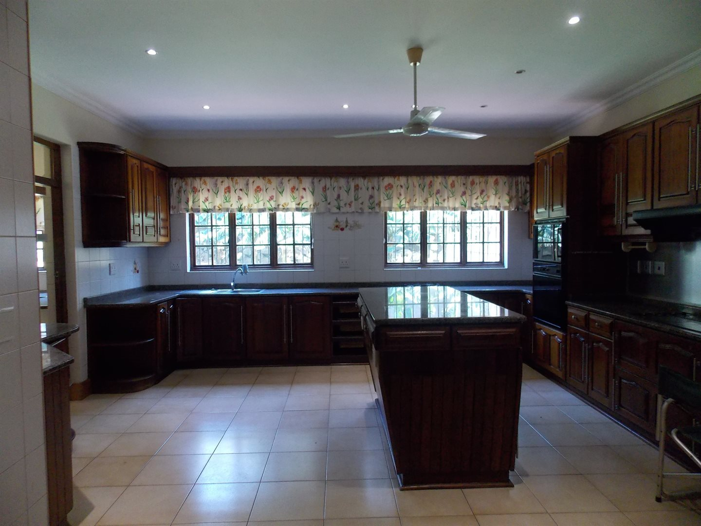 Panorama property for sale. Ref No: 13549748. Picture no 2