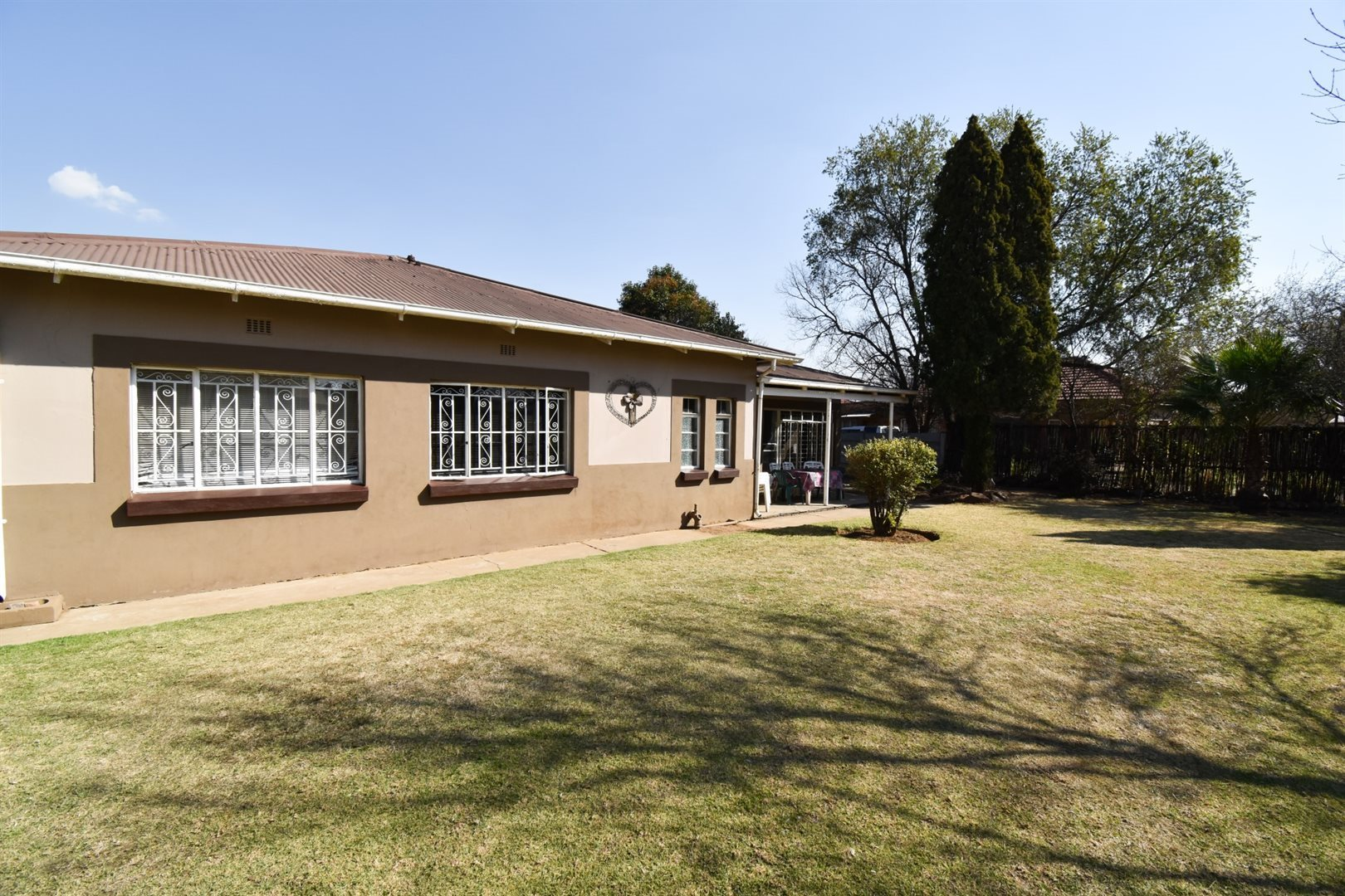 Three Rivers property for sale. Ref No: 13521422. Picture no 1