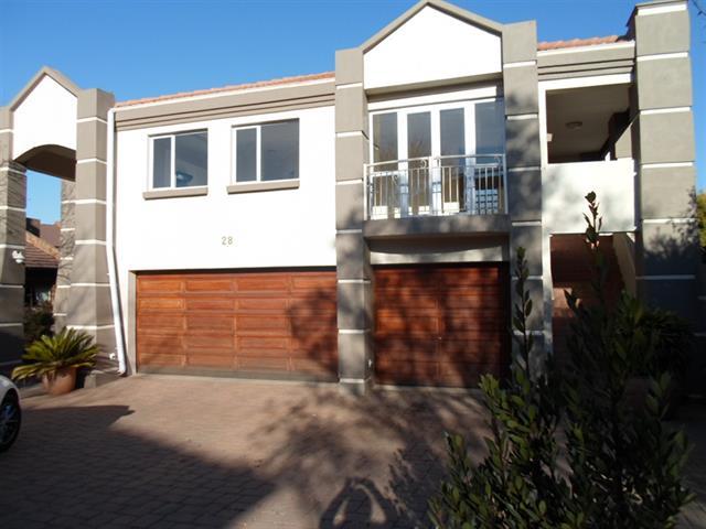 Centurion, Centurion Golf Estate Property  | Houses To Rent Centurion Golf Estate, Centurion Golf Estate, House 3 bedrooms property to rent Price:, 24,00*