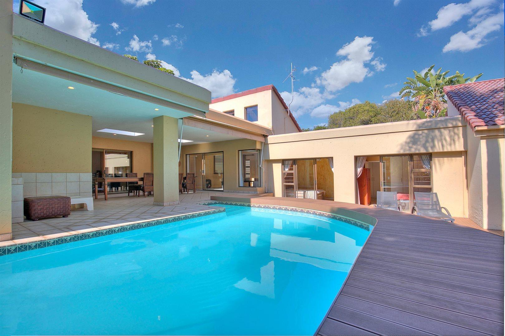 Fourways Gardens property to rent. Ref No: 13567440. Picture no 11