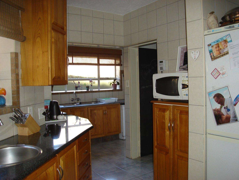 Eldoraigne property for sale. Ref No: 13494397. Picture no 13