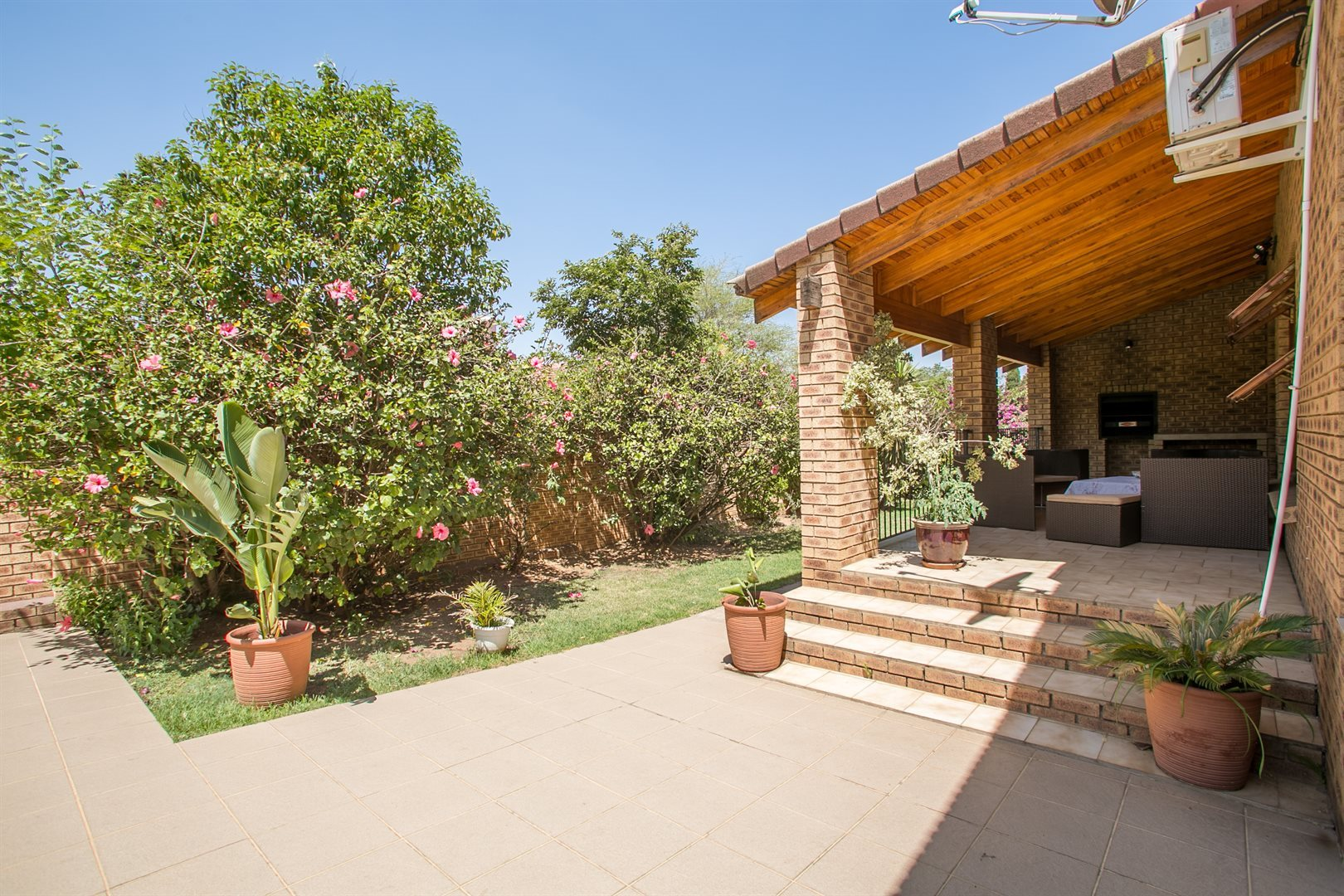 Fourways Gardens property to rent. Ref No: 13554935. Picture no 2