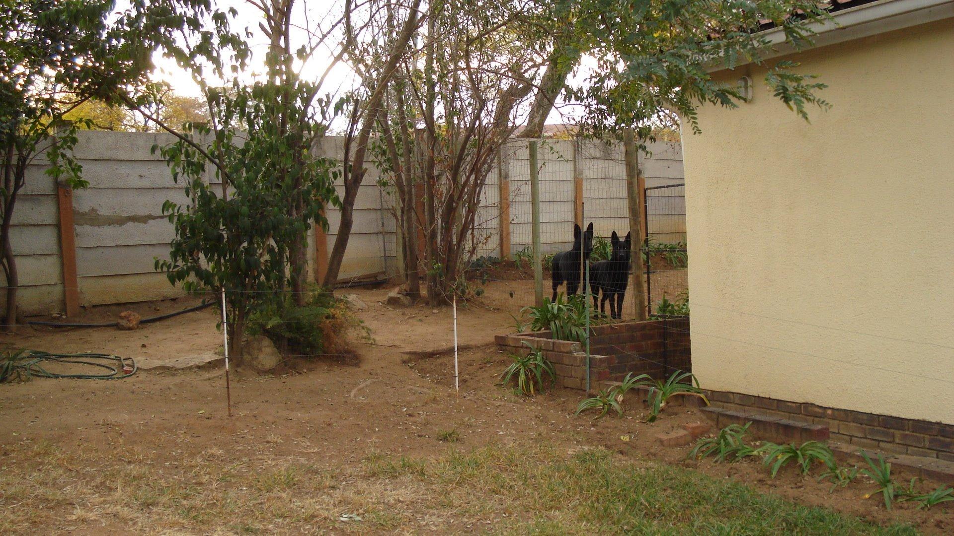 Randpark Ridge property for sale. Ref No: 13518117. Picture no 19